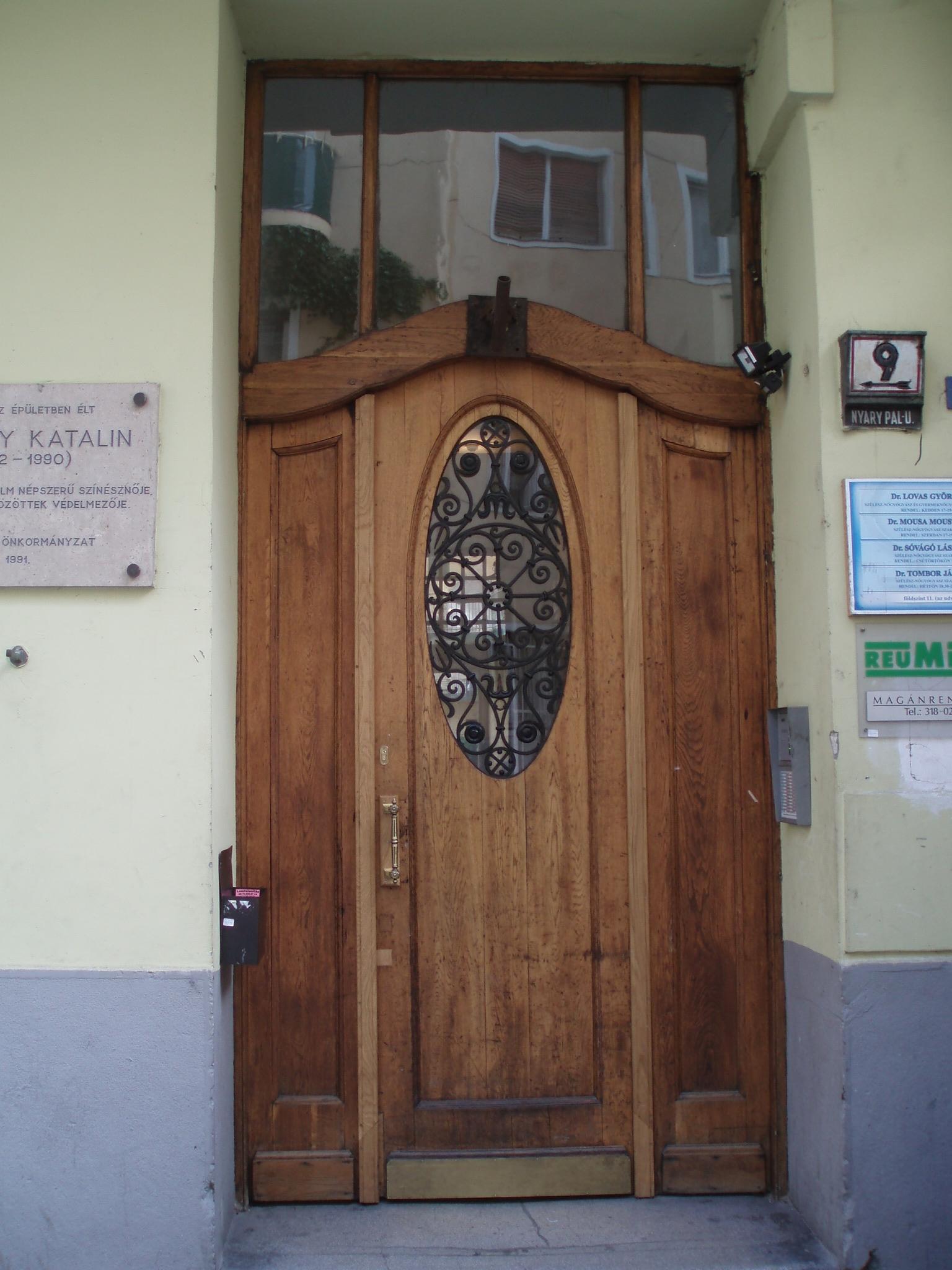 District 5, Nyáry Pál utca 9