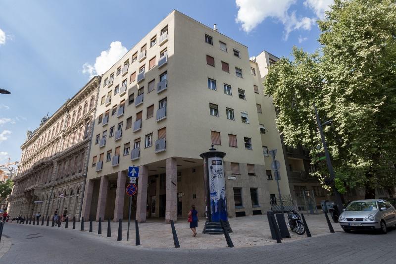 District 5, Károlyi Mihály utca 14.