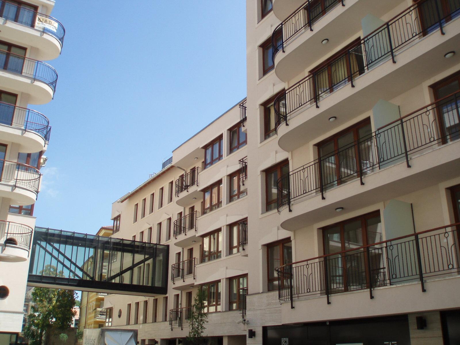 District 7, Dob utca 16