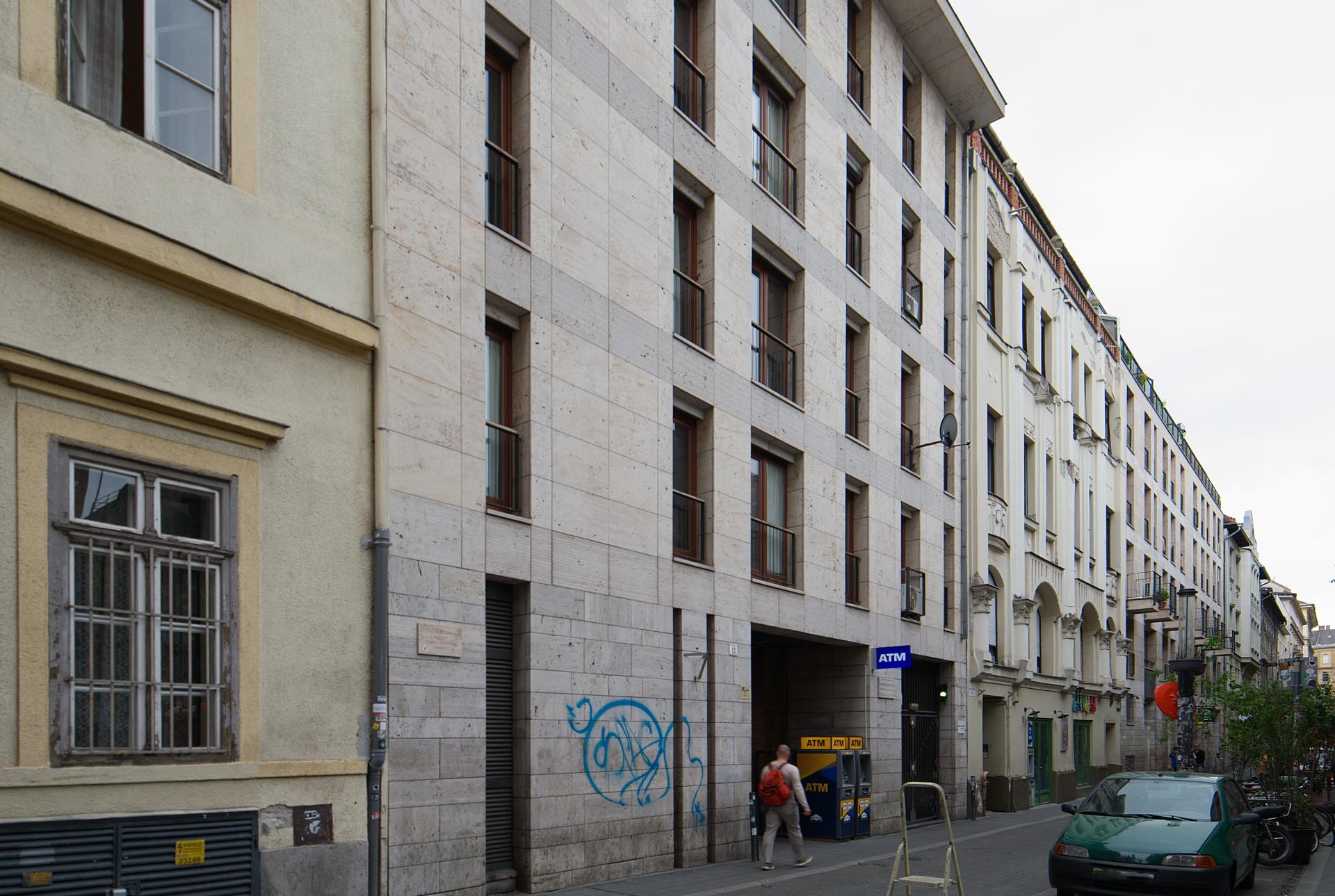 District 7, Kazinczy utca 13.