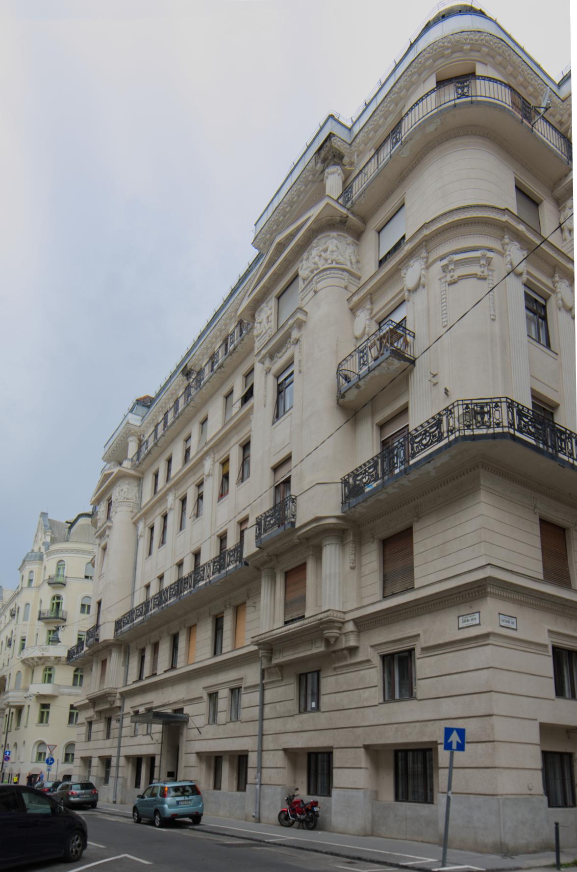 District 5, Zoltán utca 6.