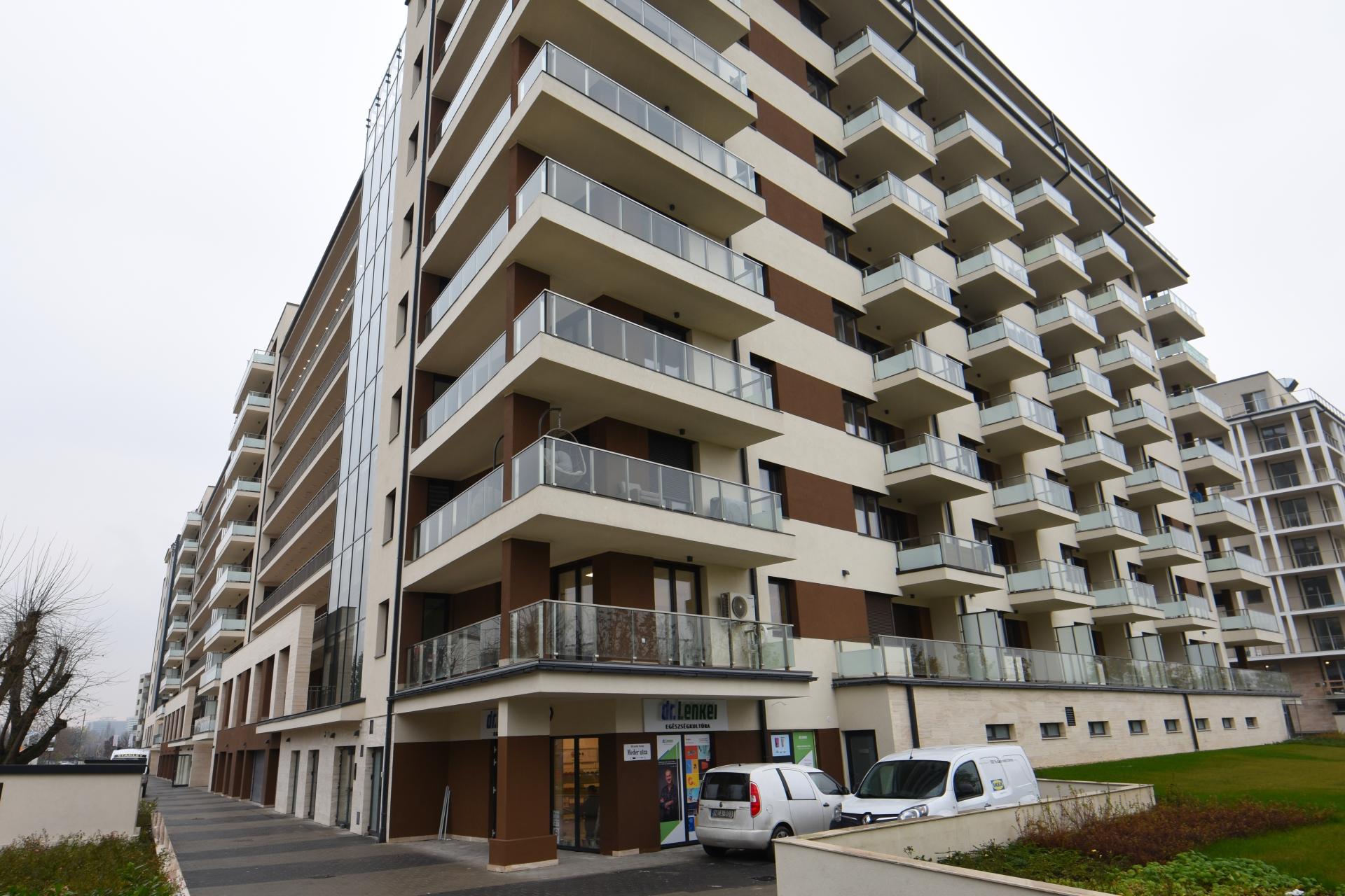 District 13, Meder utca 2-4.
