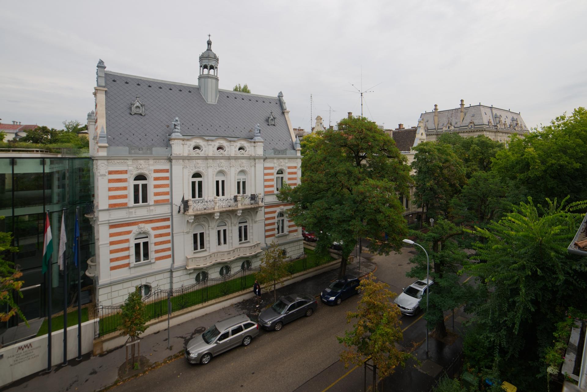 District 6, Andrássy út 99.